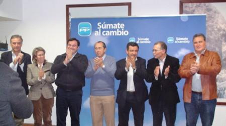Dirigentes del PP, en el acto electoral de Olvera.
