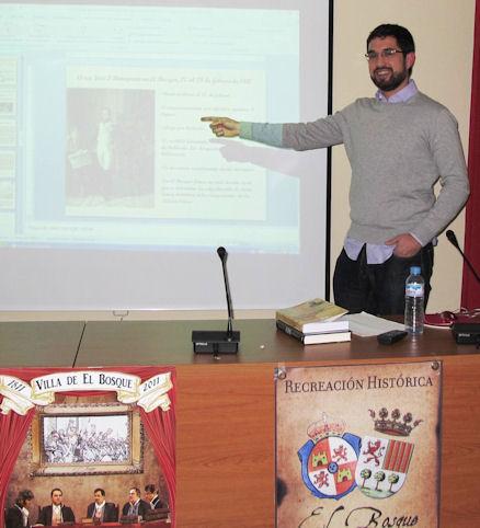 El historiador Jesús Román Román, en su conferencia de El Bosque.