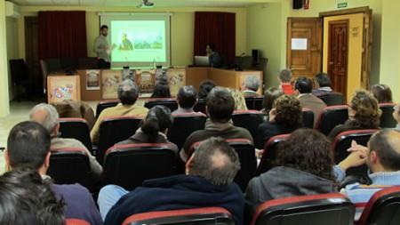 Asistentes a la conferencia de Jesús Román Román.