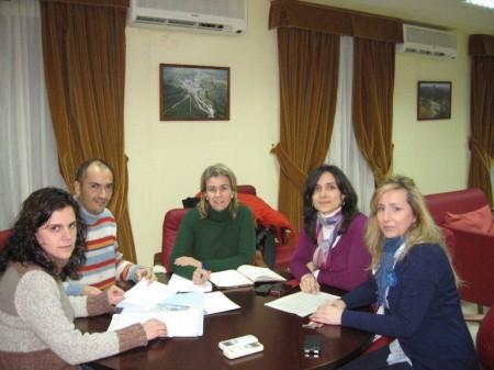 Ruiz Sillero, con la alcaldesa y otros ediles de El Bosque.