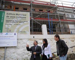 Imange de archivo de la visita a la obras del el anterior delegado del Gobierno de la Junta de Andalucía en Cádiz, Gabriel Almagro.