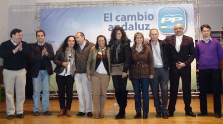 Participantes en el mitin del PP en El Gastor.