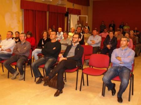Participantes en el mitin de Espera.