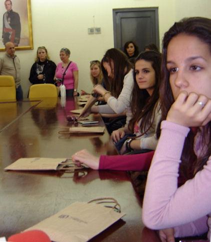 Recepción de los estudiantes franceses en el Ayuntamiento de Olvera.