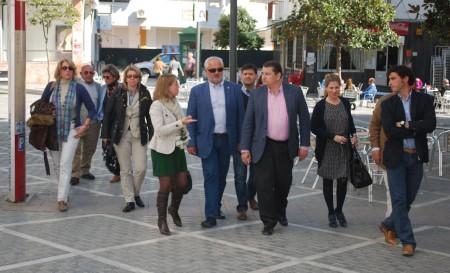 Antonio Sanz y otros dirigentes del PP, en Ubrique.