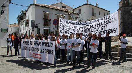 Concentración de trabajadores de la Villa Turística de Grazalema.