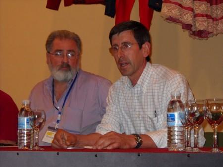 El alcalde de Benaocaz, Juan Mª Mangana, junto a Luis Javier Guerrero, en la apertura de las jornadas.