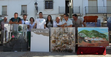 La alcaldesa, María José Lara, con algunos participantes.