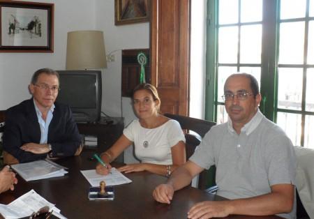 Párraga, Gallardo y Morales, en el acto de recepción de las obras.