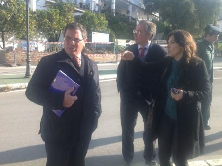 El subdelegado del Gobierno, con la alcaldesa de El Bosque.