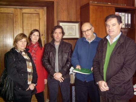 Presentación de la memoria del CADE en el Ayuntamiento de Olvera.