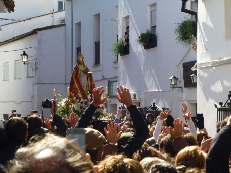 Fervor alegre por San Blas.