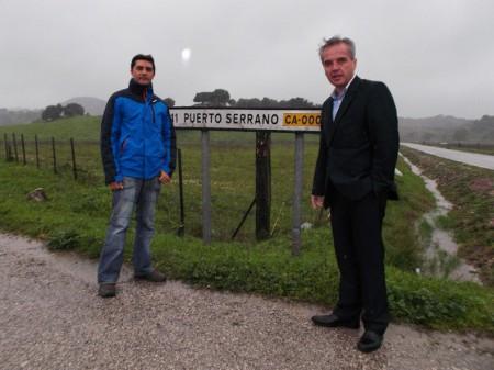 Miguel Ángel Carrero y Alfonso Moscoso en la carretera CA-000.