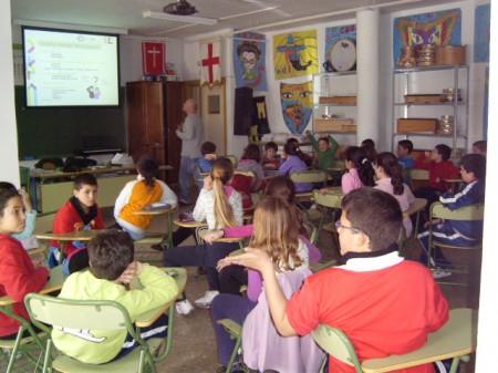 Escolares participantes en el taller.