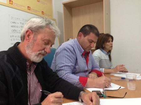 La presidenta de la Mancomunidad y alcaldesa de Alcalá del Valle, Dolores Caballero, el vicepresidente tercero y alcalde de Espera, Pedro Romero, y el presidente de la empresa pública Aguas Sierra de Cádiz y concejal en Olvera, José Holgado.