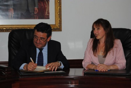 El presidente de la Diputación y la alcaldesa deAlgar.