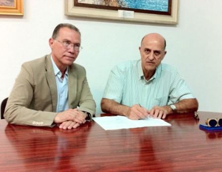 El diputado provincial Eduardo Párraga y el alcalde, Juan Sevillano.
