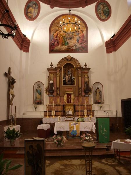 Retablo del presbiterio de la parroquia de El Gastor.