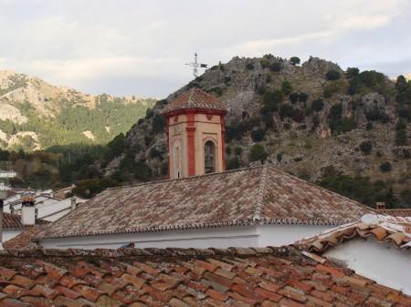 Techumbre y campanario de la iglesia de San Juan de Grazalema.