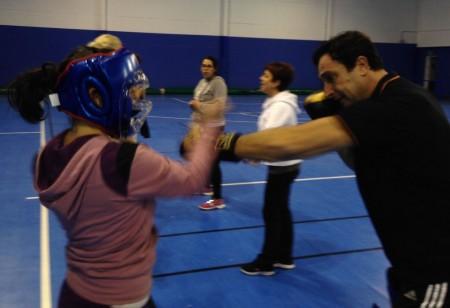 Una sesión del taller de autodefensa.