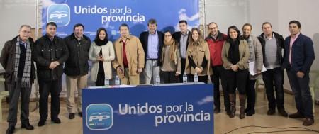 Asistentes a la clausura del congreso local del PP de Algodonales.