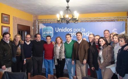 Dirigentes del PP de la comarca y la provincia, con Adela Fernández.