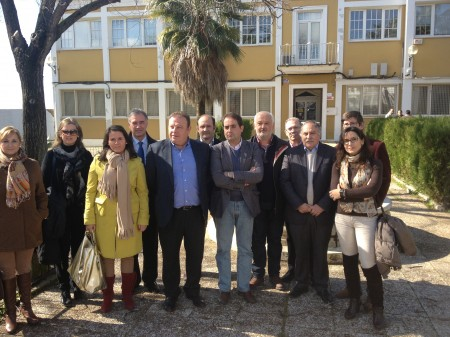 Alcaldes y portavoces del PP de la Sierra, con el secretario general del Partido Popular de Cádiz, Antonio Saldaña.