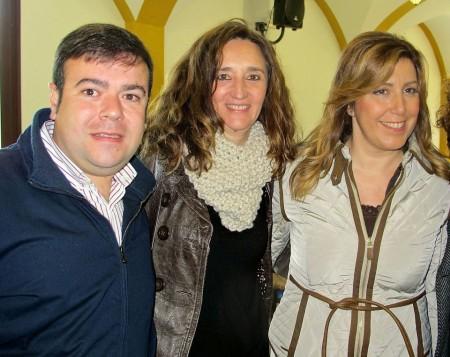Representantes socialista de El Boque, con la presidenta de la Junta, Susana Díaz.