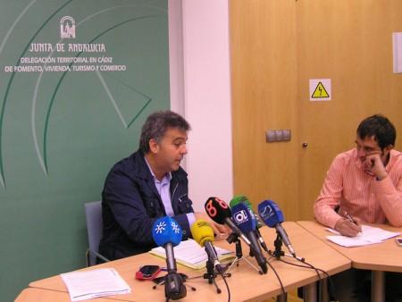 El delegado territorial de Fomento y Vivienda, Manuel Cárdenas, en rueda de prensa.