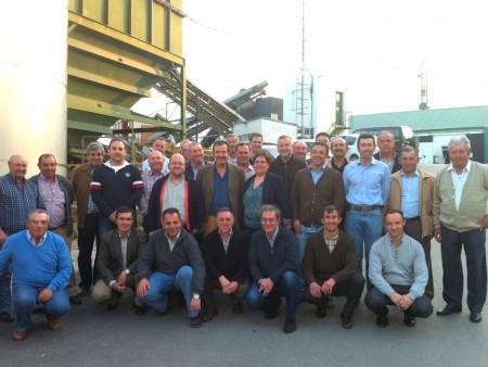 Representantes de las cooperativas y ayuntamientos reunidos en Algodonales para la defensa del olivar de sierra.