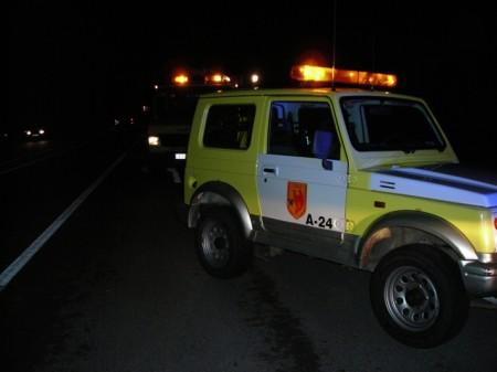 Vehículos de bomberos, en el lugr del accidente.