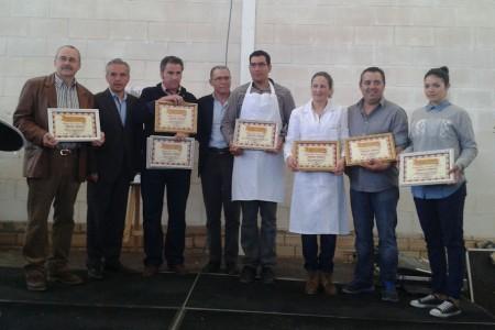 Premiados, con el alcalde, Alfonso Moscoso, y el dipuado provincial Eduardo Párraga.