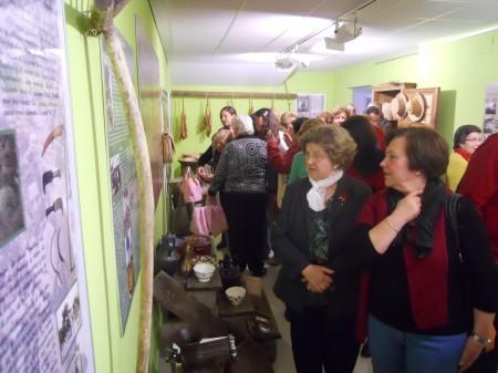Asistentes a la inauguración del Museo de Historia Local de Algodonales.