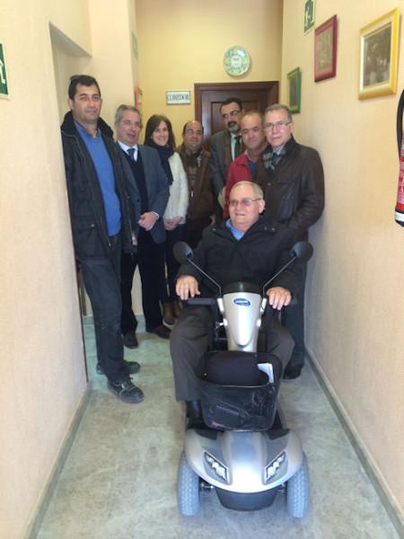 El subdelegado, con otros representantes políticos y el presidente de Espérida.