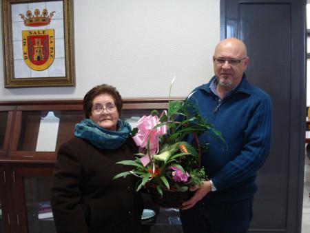 María Barrera Márquez y el alcalde de Olvera, José Luis del Río