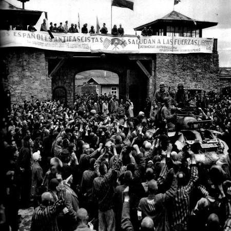 Imagen de la liberación del campo de concentración de Mauthausen