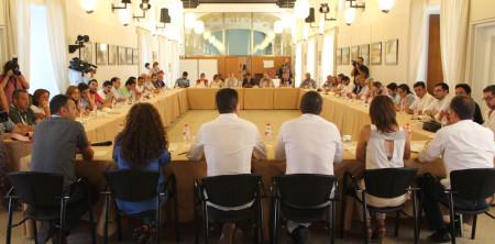 Reunión de alcaldes de IU en el Parlamento andaluz.