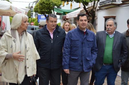 Juan Manuel Moreno Bonilla, con otros dirigentes del PP, en Prado del Rey.