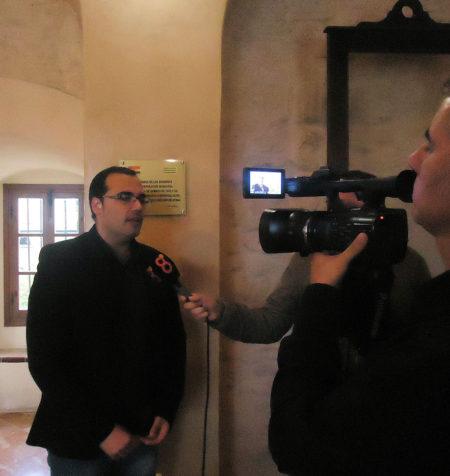 El alcalde, Huho Palomares, durante una entrevista.