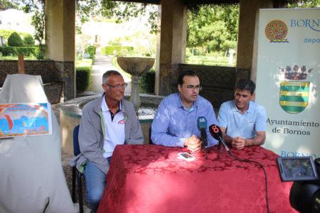 El alcalde, Hugo Palomares, durante la presentación del evento.