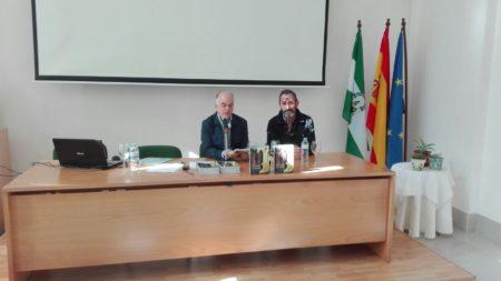 Presentaciòn del libro 'Un paseo por Ronda', con el autor de las ilustraciones, Rogelio Romero Janeiro.