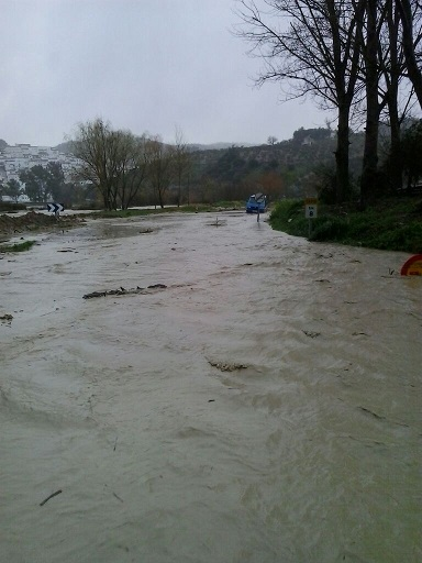 Una de las carreteras inundadas en la provincia de Cádiz.