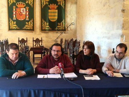 Los alcaldes de la Sierra de IU (Alcalá del Valle, Bornos y Espera) y el coordinador provincial de IU.