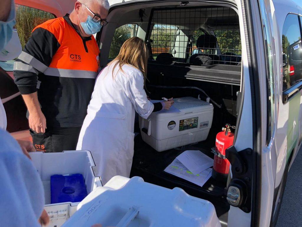 Llegada de la vacuna a la residencia Lago de Arcos de la Frontera.