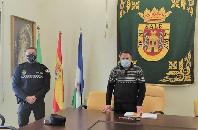 El alcalde, Francisco Párraga, y el subinspector de Policía Local, José Antonio Jiménez.