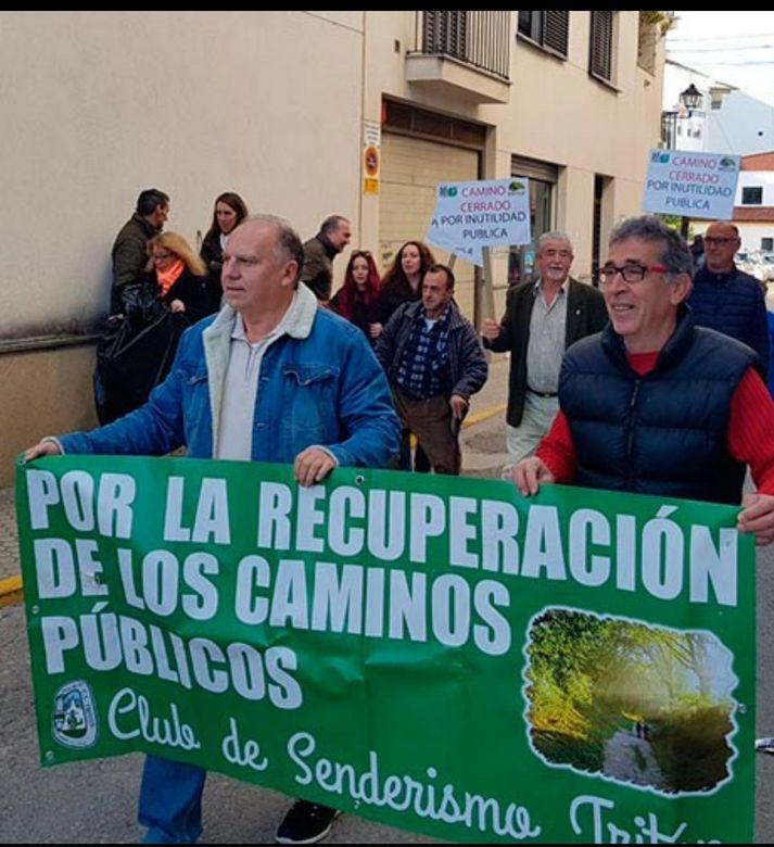 Gaspar Corbacho (d), en una manifestación.