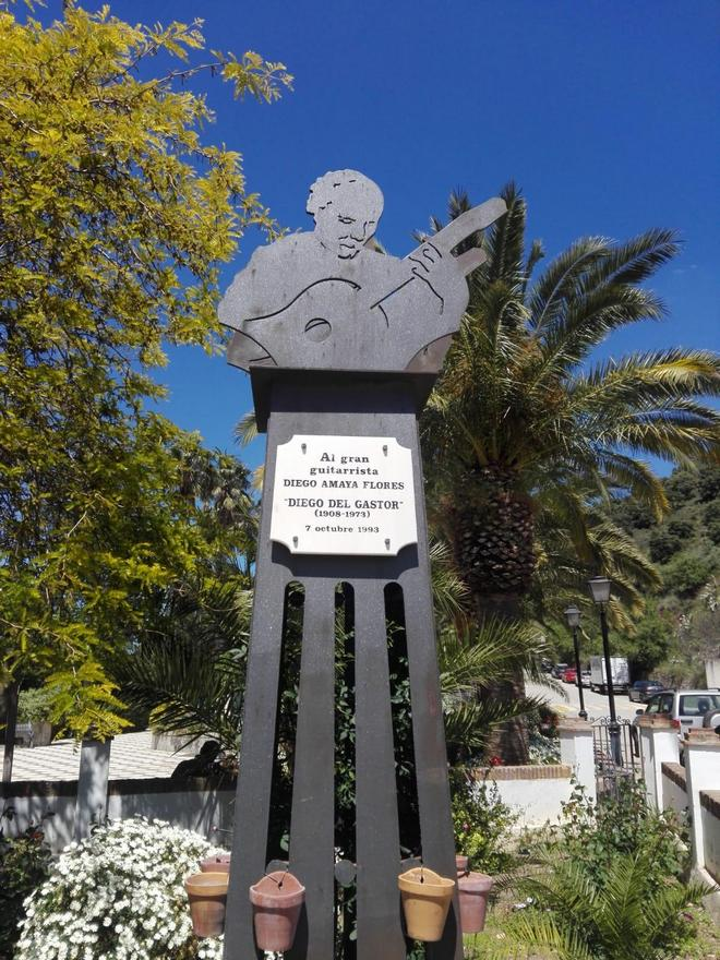 Monumento del genial guitarrista gitano Diego Amaya, Diego del Gastor.