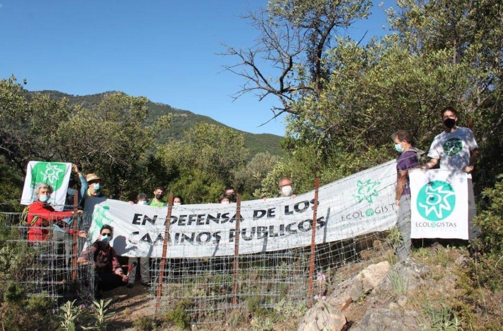 Protesta de Ecologistas en Acción en defensa de los caminos públicos.