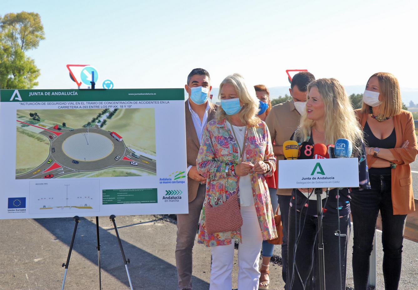 Inaugurada la rotonda de la carretera A-393, que conecta Arcos y Espera, para acabar con un cruce peligroso