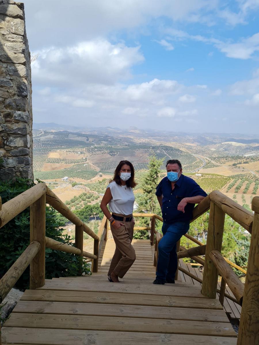 Turismo invierte 60.000 euros en mejorar la accesibilidad del Barrio de la Villa de Olvera